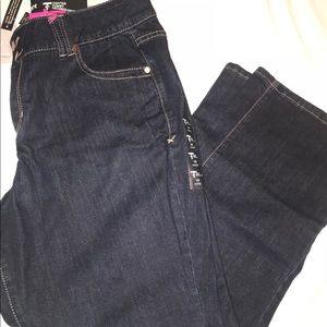 Brand New w/tags size 16 petite lane Bryant jeans